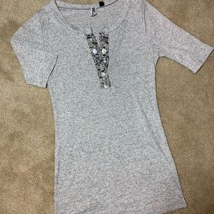 BKE ribbed top Front details Small NWOT